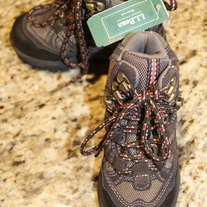 NWT Kids hiking boots trail model waterproof sz 10